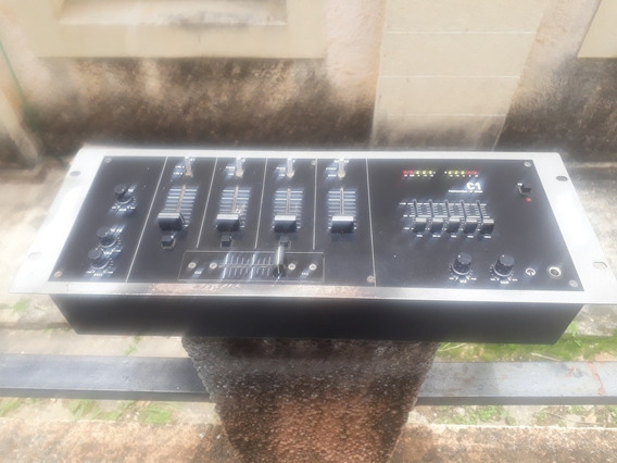 Mixer Numark C1