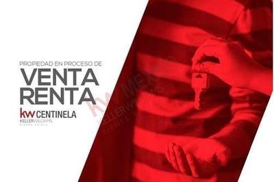Centrica Bodega En Col. Independencia Y Lazaro Cardenas Con Doble Acceso Tiene Oficinas Internas