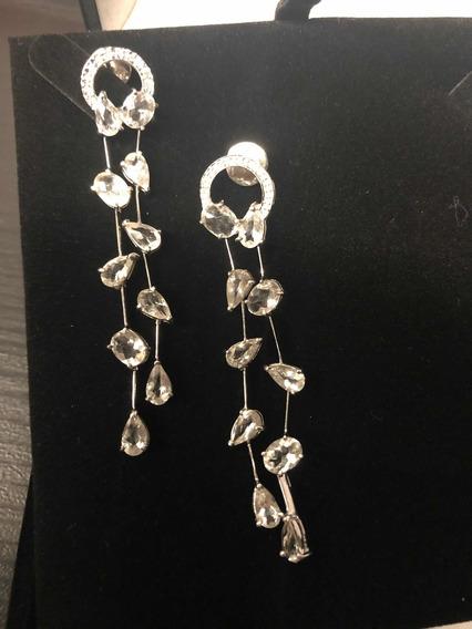 Vivara: Brincos Longos Em Ouro Branco, Brilhantes E Pedras