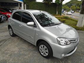 Toyota Etios 1.5 16v Xs 2014 Prata Flex Completo