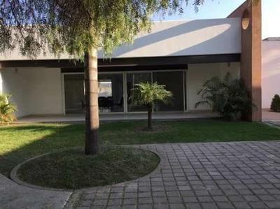555 - Robles, Casa Sola En Venta