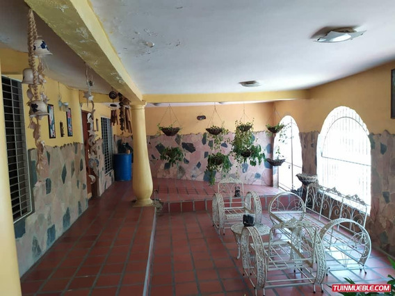 Casa Con Locales Comerciales, Av Principal Paraparal