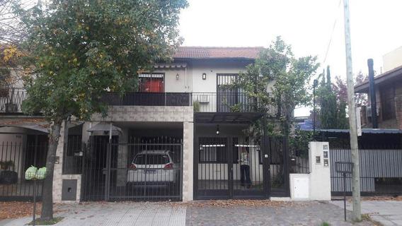 Zona Plaza De Martinez, Con Jardín, Parrilla Y Cochera.