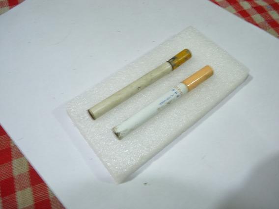 Lote De Dos Encendedores Con Forma De Cigarrillo