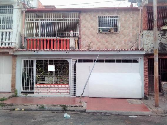 Casa En Urbanización Ricardo Urriera, Valencia