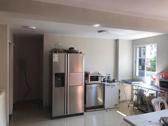 Apartamento En Venta En Ciudad Roca 20-19543 Mf