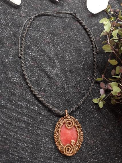 Colar Biomecãnico De Cobre Com Pedra De Quartzo Vermelho