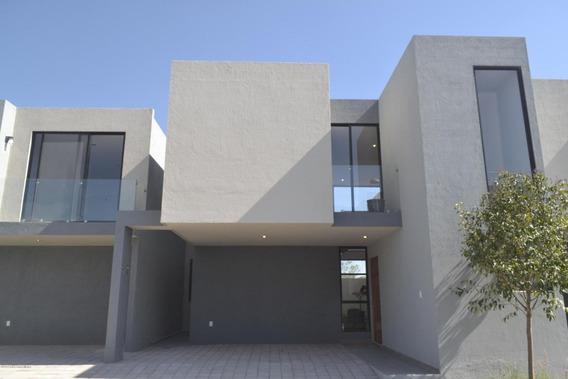 Casa En Venta En Zakia, El Marques, Rah-mx-20-672