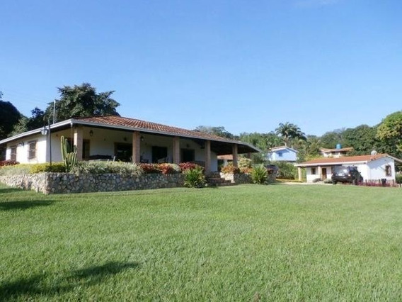 Casa En Venta Safari Country Club Carabobo 20-5631 Lal