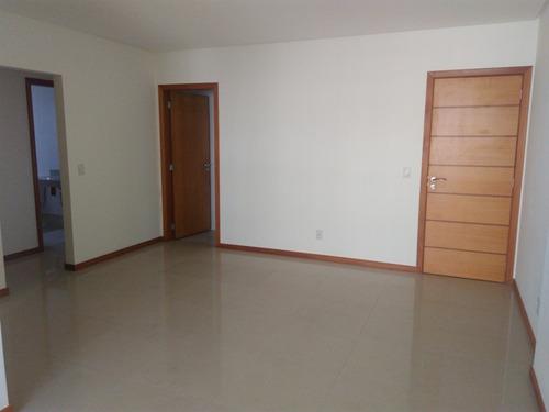 Murano Imobiliária Vende Apartamento De 3 Quartos Na Quadra Do Mar Na Praia Da Costa, Vila Velha - Es. - 1606