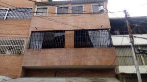 Apartamento En Venta En Catia Rent A House Tubieninmuebles.com.ve Mls 20-22753