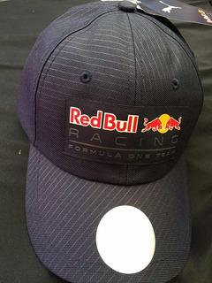 Gorra Red Bull Azul Marino.