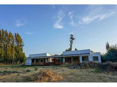 Parcela Con 2 Casas En Condominio Country El Peumo