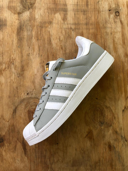 Zapatillas Superstar adidas Originales Gris