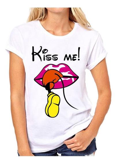Remera Dama Con Frase Kiss Me Beso Boca Labios Rosas