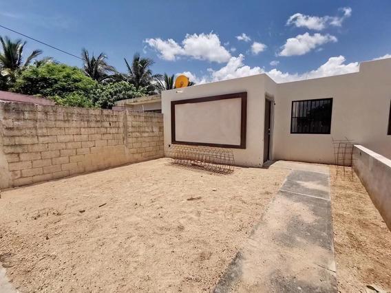 Casa Nueva En Venta En Mérida, 2 Recámaras Y Muy Amplio Terreno 350 M²