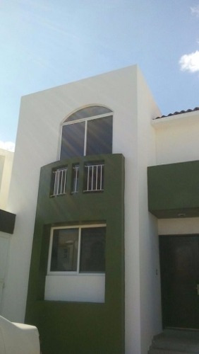 Hermosa Casa En Venta En Fracc La Esperanza En El Pueblito Qro. Mex.