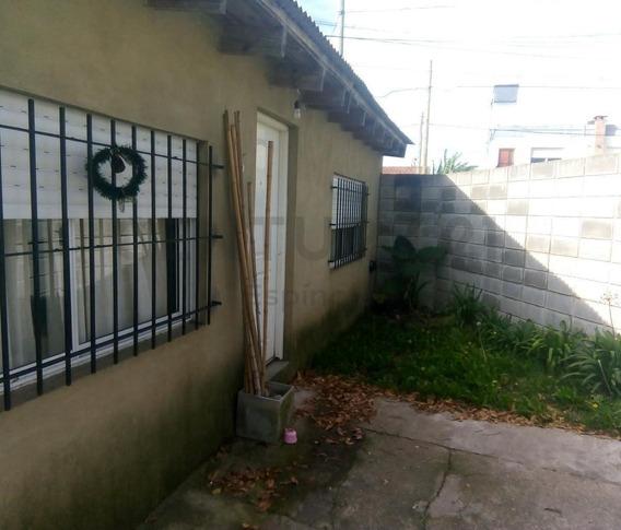 2 Y 82 - Vende Casa, 2 Dormitorios, Villa Elvira, La Plata.