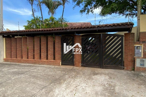 Imagem 1 de 11 de Perfeita Casa Com Piscina E Churrasqueira A 600 Metros Do Ma