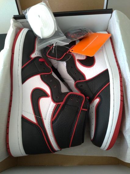 Tênis Nike Air Jordan 1 Retro High - Tam 39
