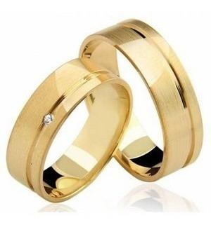 Imagem 1 de 5 de Par Alianças Ouro 18k 750 Reta Lixada Diamante 8 Gramas 5mm