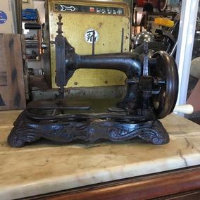 Máquina De Costura Manual Mesa Antiga Ferro Ñ Emblema 435