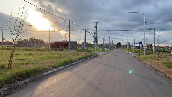 Vendo Lote De Esquina En Perez - Lapachos 1 - Escritura Inmediata