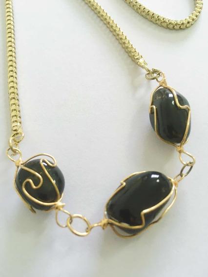 Colar Dourado Pedras Naturais Pretas
