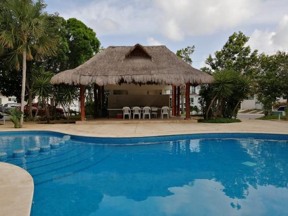 Amplia Casa Familiar De 4 Recamaras En Residencial