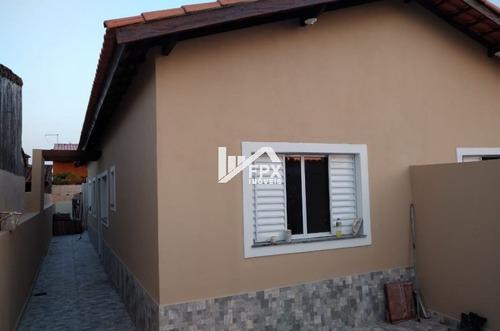 Imagem 1 de 4 de Casa Geminada No Litoral. 700 Metros Do Mar!! 02 Dormitórios
