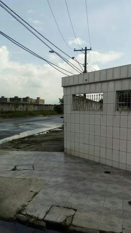 Imagem 1 de 6 de Casa 2 Dormitórios Para Venda Em São Vicente, Jockey Clube, 2 Dormitórios, 1 Banheiro, 2 Vagas - 204_1-1774507