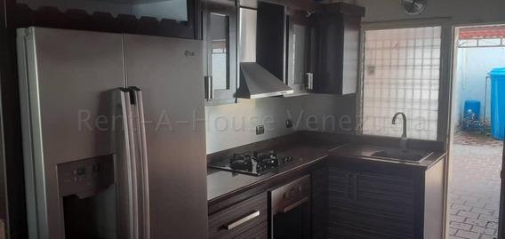 Casas En Venta Cabudare 20-7129 Rg