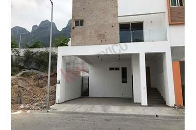 Casa En Venta A Estrenar, Moderna En Cumbres Elite Privadas 3er Sector