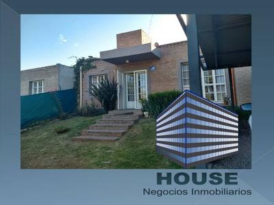 Bº Villa Rivera Indarte - Una Planta- Impecable - Piscina