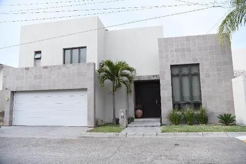 Casa Sola En Venta En Residencial Las Isabeles, Torreón, Coahuila