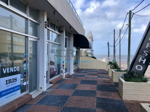 Venta Local Comercial En Península, Baño + Cochera- Ref: 168