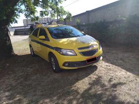 Chevrolet Prisma Táxi Ltz 1.4 2015/16 C/ Autonomia Rj