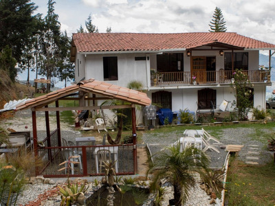 Hotel/hostal Casa De Campo