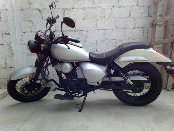 Motocicleta Dinamo Renegada 250cc