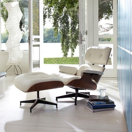 Poltrona Charles Eames + Puff Couro Ecológico