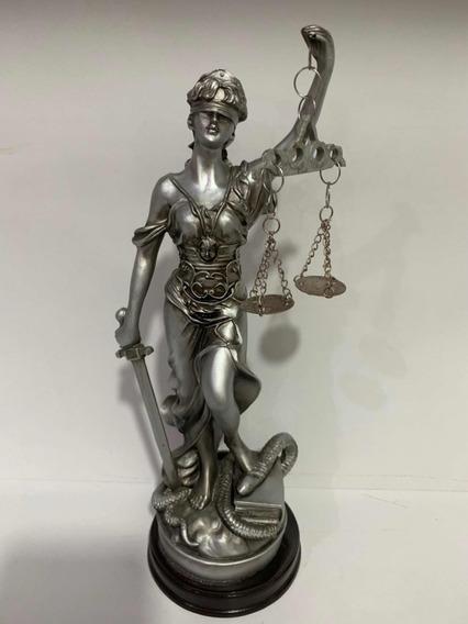 Dama Da Justiça Estátua De Resina