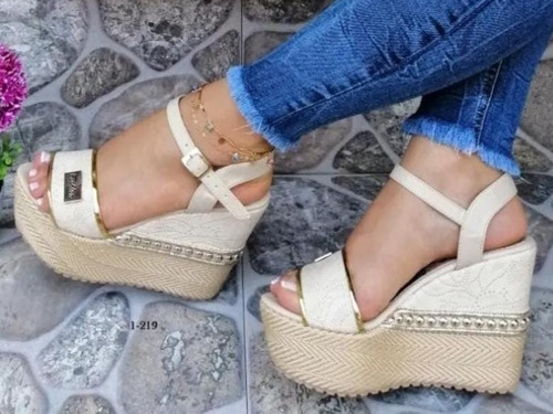 Hermosa Plataforma Zapatos Altos Beige Beis Combinan Todo