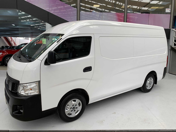 Nissan Urvan 2.5 Panel Amplia Aa Mt 2017