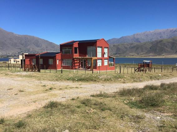 Casa En Tafi Del Valle, Nueva, Para 8 Personas.