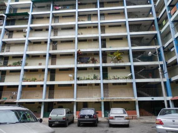 Apartamento En Venta Centro- Oeste 20-1441 Jg