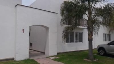 Se Renta Depto En Las Condes, Cañadas Del Lago, Planta Baja