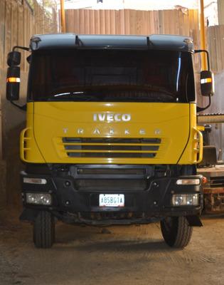 Camion Volteo Iveco Trakker-720t42t