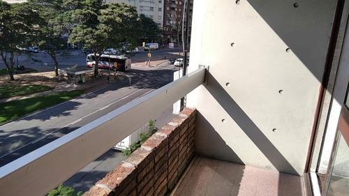 Al Frente Con Balcón, Terraza Piso 4