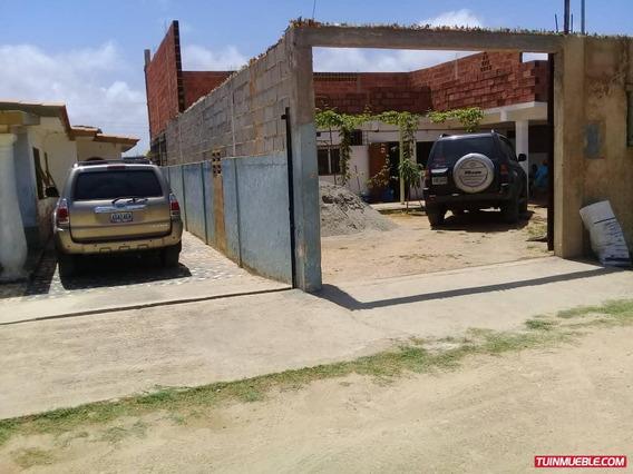 Casas En Venta Tucacas 04125317336