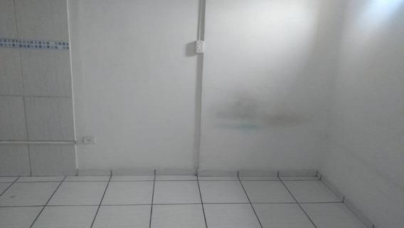 Kitnet Com 1 Dormitório Para Alugar, 20 M² Por R$ 450,00/mês - Centro - Guarulhos/sp - Kn0008